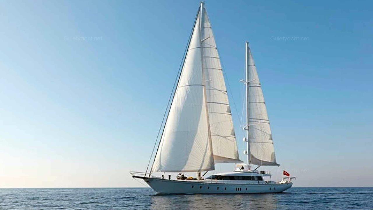 GLS-4 Sailing Yacht