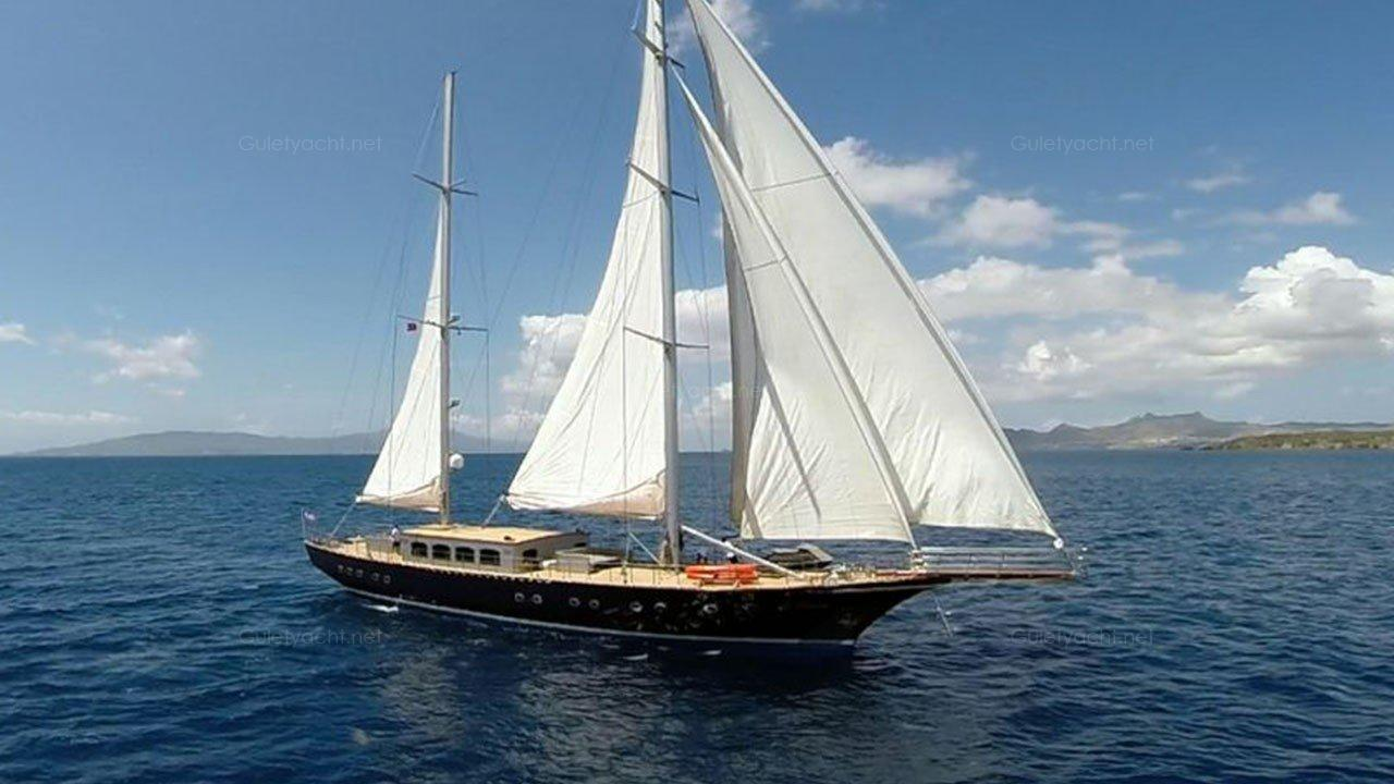 LEE-4 Sailing Yacht