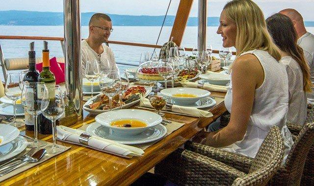 24 Hours On A Charter Yacht