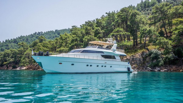 Motor Yacht Kuum